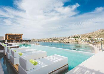 Super Paradise Suites Mykonos