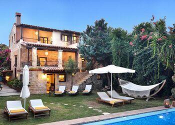 Villa Arhontariki
