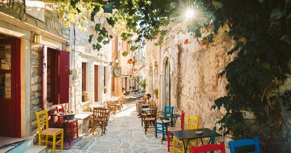Beautiful paved streets, neoclassical buildings and a lively market and shops all testify to Halki's past as the capital of Naxos