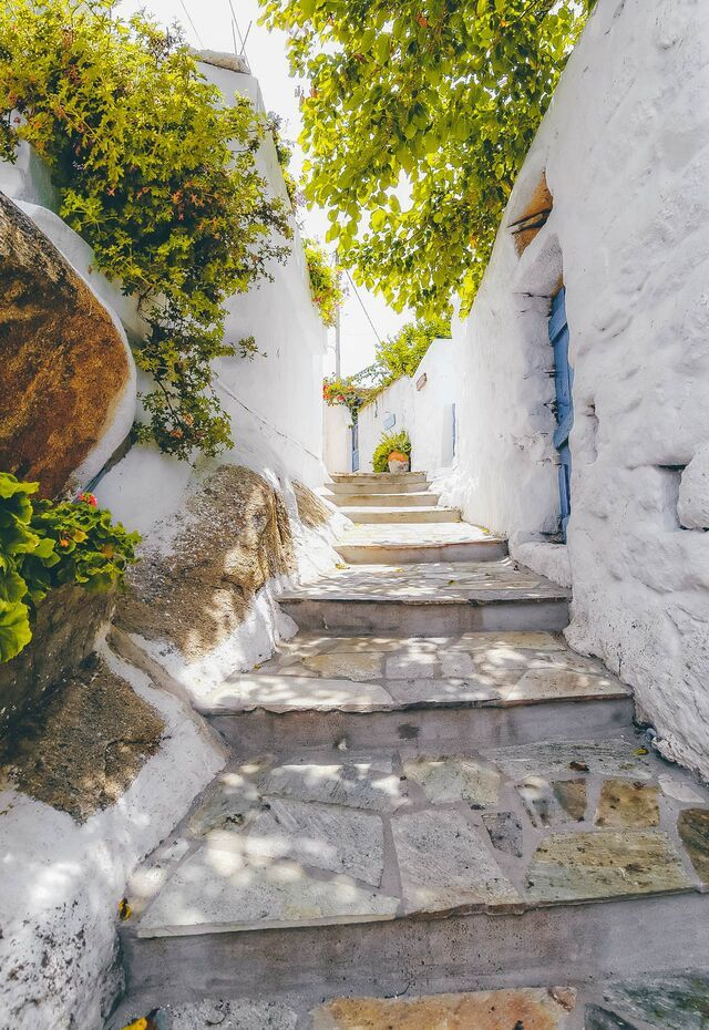 Picturesque alley at Tinos Hora