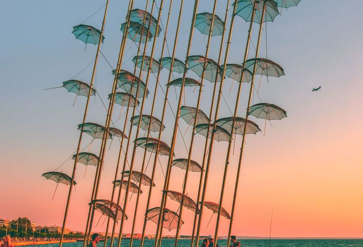 Sculptures of Zongolopoulos Umbrellas are placed in Thessaloniki
