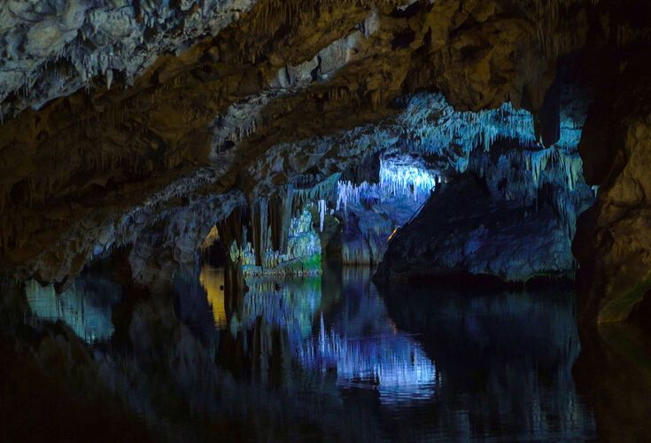 The extraordinary Diros Caves