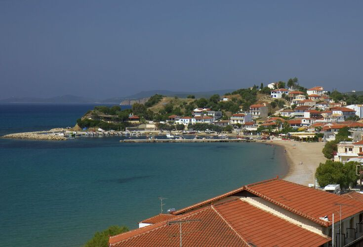On your way to Methoni you'll pass through the sheltered and welcoming town of Finikounta